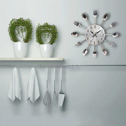 Horloge murale en argent originale pour la cuisine