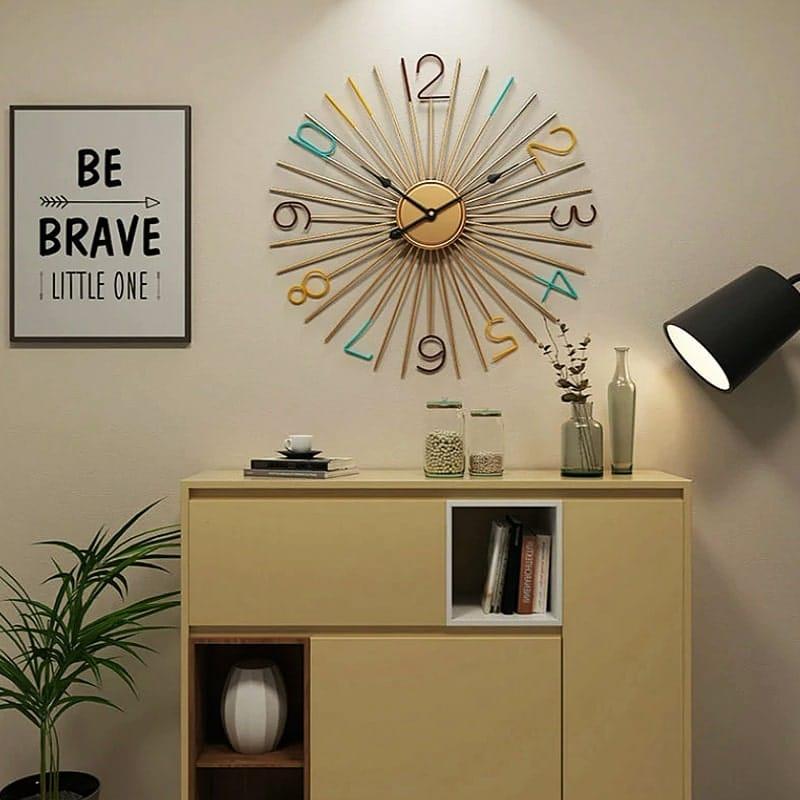 Horloge murale décorative dans une chambre