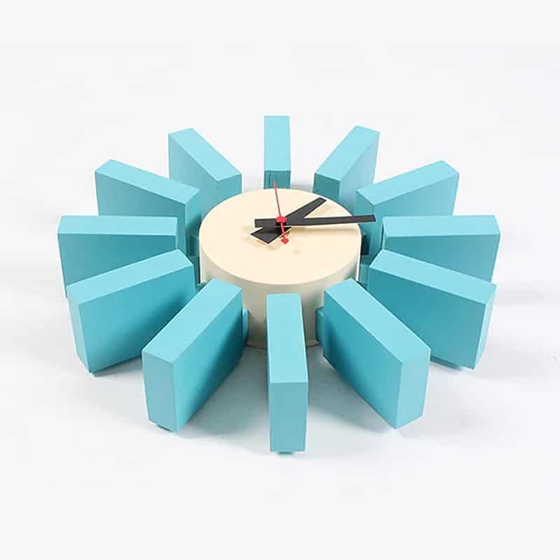 Horloge murale design en bois de couleur bleu