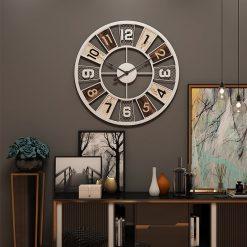 Horloge murale industrielle vintage blanche dans le salon