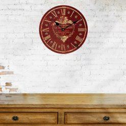 horloge murale rouge vintage entree