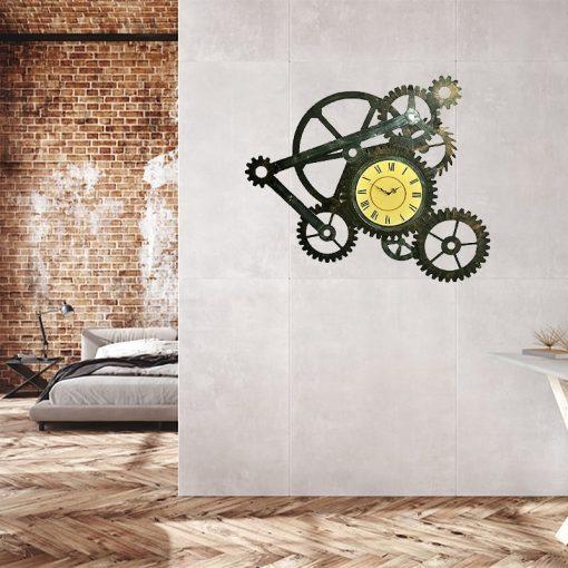 Horloge industrielle dans une chambre