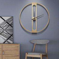 Horloge murale contemporaine design dans un séjour