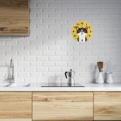Horloge murale design chat dans une cuisine