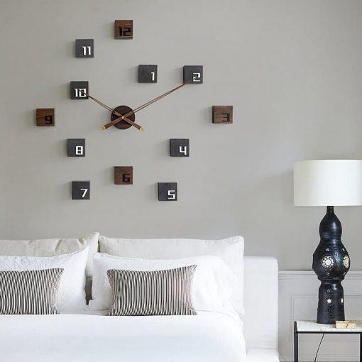 Horloge murale Design en bois dans une chambre