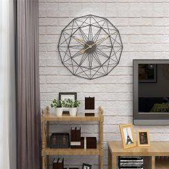 horloge noire decoration industrielle