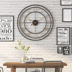 Grande horloge murale au style industriel