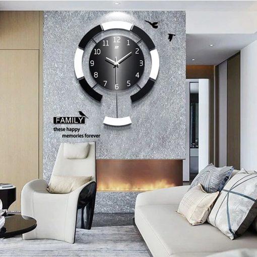 Grande horloge murale déco dans un séjour contemporain