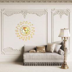 Horloge décorative murale dans un salon chic et luxueux
