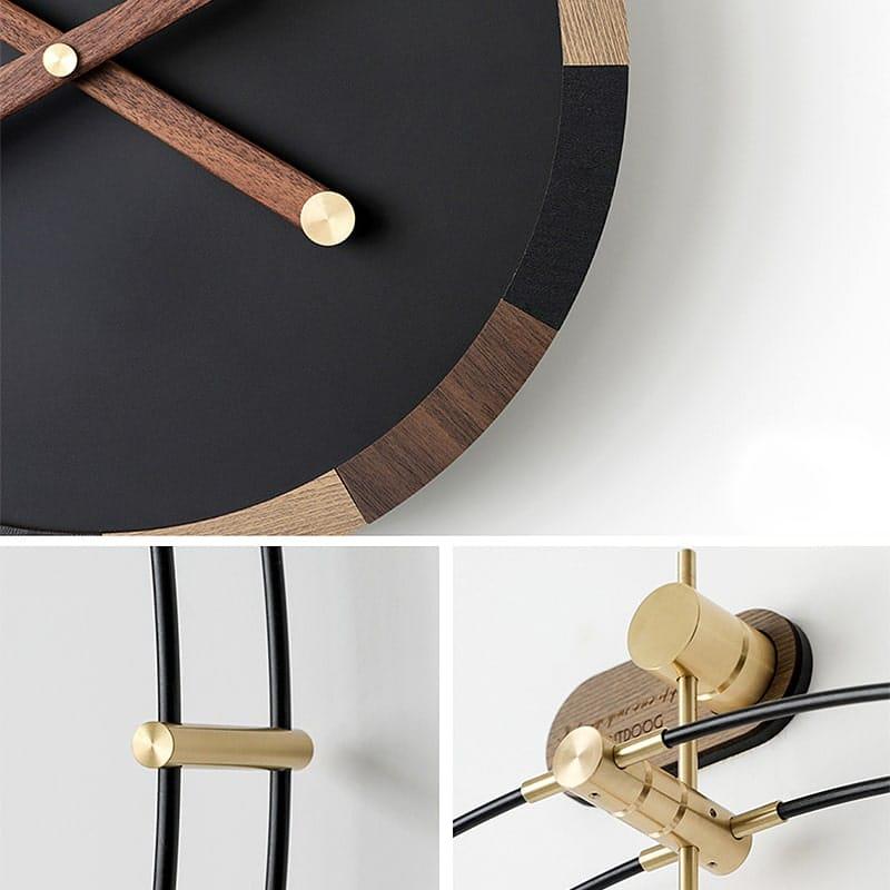 Horloge murale avec aiguilles en bois et cadre en métal