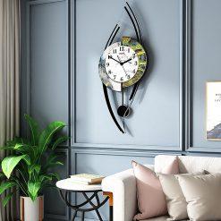 Horloge originale murale dans un séjour