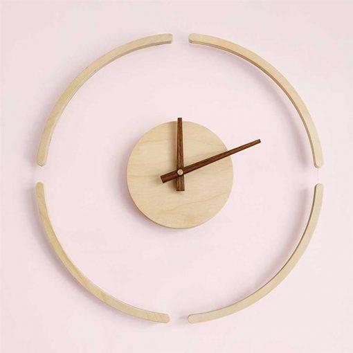 Horloge murale design et moderne en bois